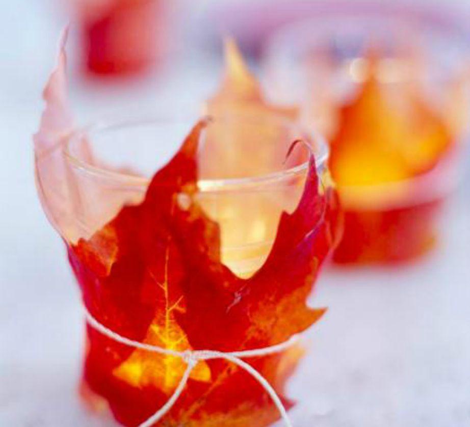 Τυλίξτε γύρω από τα κεριά σας φύλλα και το αποτέλεσμα θα σας ανταμείψει.
