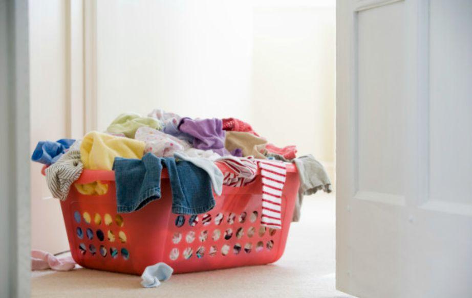 Πλύντε όλα τα ρούχα που έχετε σκοπό να μαζέψετε.