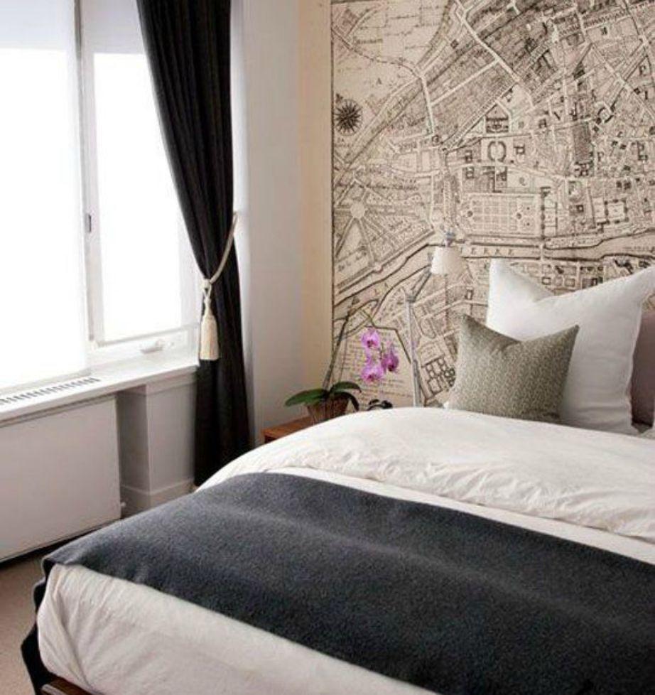 Αν είστε μεγάλος φαν, βάλτε ταπετσαρία με χάρτη ή τοπία από το Παρίσι.