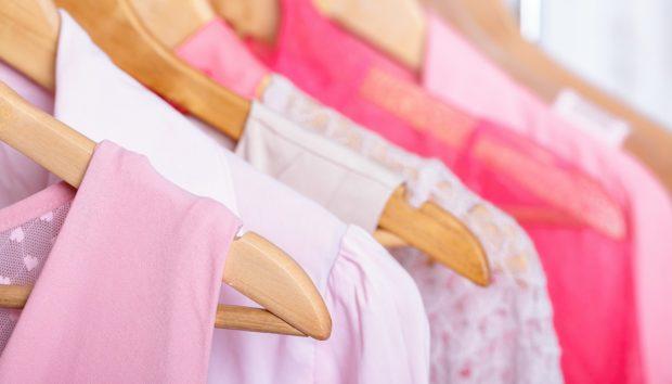 «Πώς Μπορώ να Εξοικονομήσω Χώρο στην Ντουλάπα για τα Ρούχα και τα Παπούτσια;»