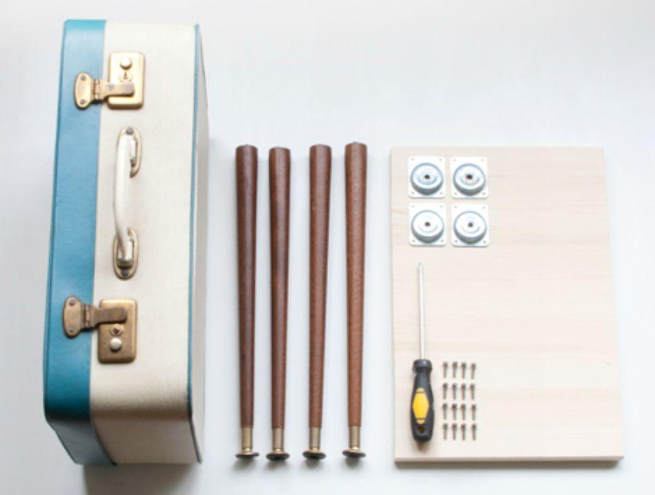 Αυτά είναι όλα όσα θα χρειαστείτε για να κάνετε τη βαλίτσα σας τραπέζι.