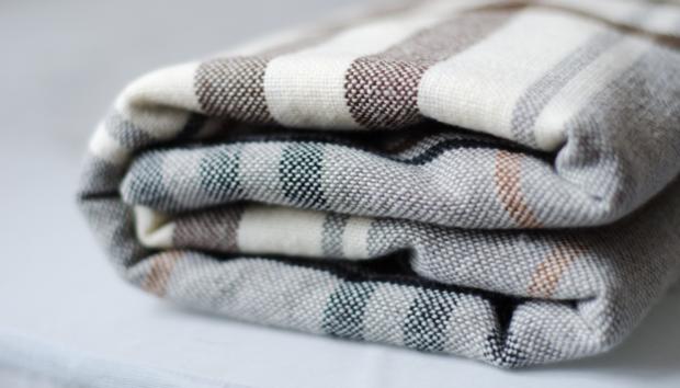 5 Δημιουργικοί Τρόποι για να Αποθηκεύσετε τις Κουβέρτες σας