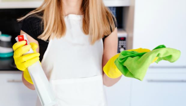 Το Καθαριστικό των Δύο Υλικών με το Οποίο θα Καθαρίσετε Όλο το Σπίτι