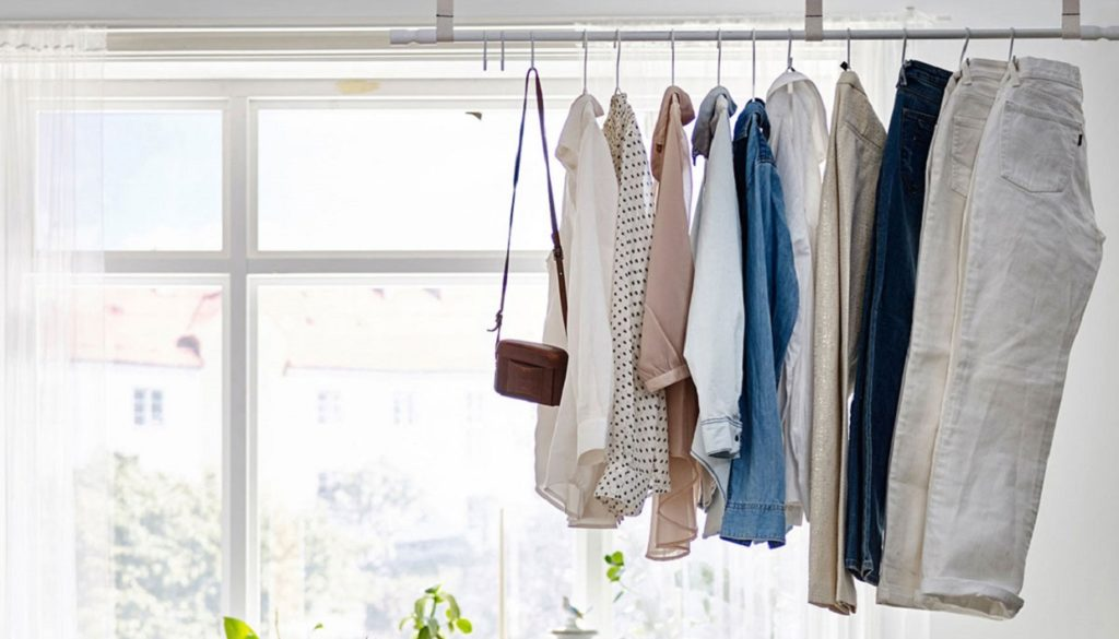 8f35fa602357 H Απόλυτη Τάση  Αποθηκεύστε τα Ρούχα σας Εκτός Ντουλάπαςspirossoulis ...