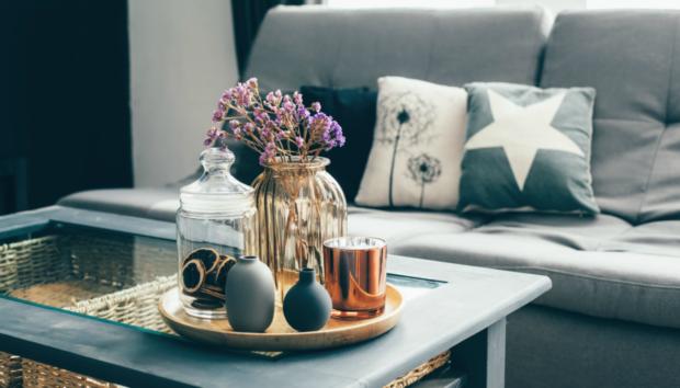 Ο Σπύρος σας Δείχνει τι δεν Χρειάζεστε τη Νέα Χρονιά στο Σπίτι σας και τι σας Είναι Απαραίτητο