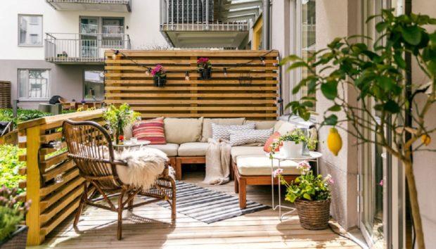 7 Έξυπνες Διακοσμητικές Ιδέες για το Μικρό Αστικό Μπαλκόνι σας