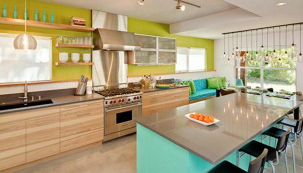 10 Κουζίνες με Χρώμα που θα σας Δώσουν Ιδέες και για τη Δική σας