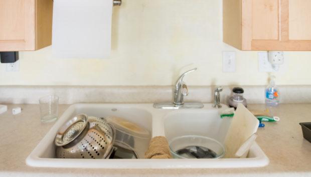 Αυτός Είναι ο Λόγος που δεν Μπορείτε να Απαλλαγείτε από την Ακαταστασία στην Κουζίνα σας