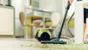 καθάρισμα του σπιτιού