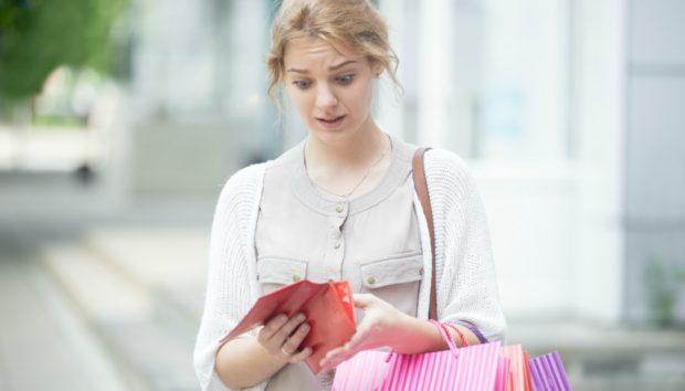 7 Κακές Συνήθειες που σας Κοστίζουν Πολύ Ακριβά!
