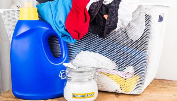 Μαγειρική Σόδα: 4 Μοναδικές Χρήσεις της στα Ρούχα του Πλυντηρίου!