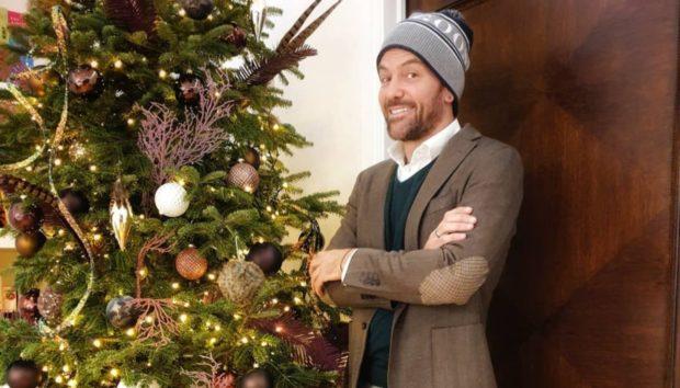 Ο Σπύρος Σούλης Στόλισε και Φέτος ένα Υπέροχο Χριστουγεννιάτικο Δέντρο!
