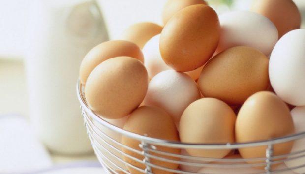 3 Τρόποι για να Καταλάβεις αν ένα Αυγό είναι Χαλασμένο