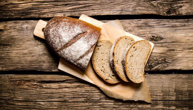 Πανεύκολο Πολύσπορο Ψωμί από τον Άκη Πετρετζίκη