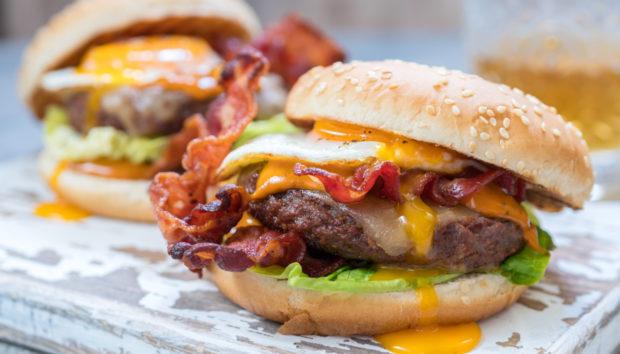 Burger με Αυγό Θεϊκό από την Αργυρώ