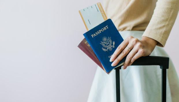 Αυτός Είναι ο Λόγος που τα Διαβατήρια Βγαίνουν σε Αυτά τα 4 Χρώματα
