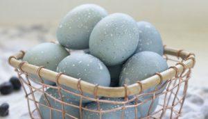 βάψιμο των αυγών