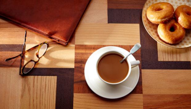 6 Εναλλακτικές Ιδέες αν Δεν Έχετε Χώρο για Coffee Table!