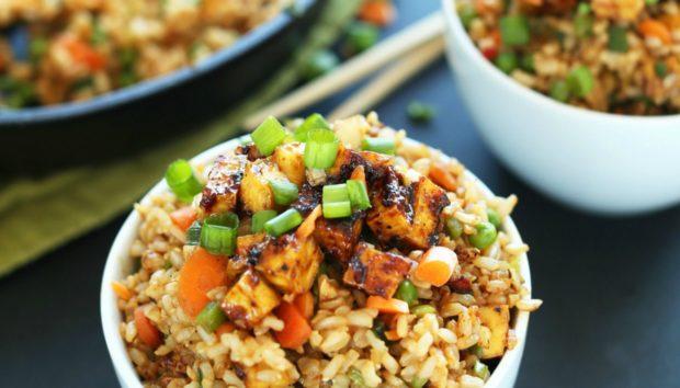 Φτιάξτε το πιο Νόστιμο Τηγανιτό Ρύζι όπως το Κάνουν στα Καλύτερα Κινέζικα Εστιατόρια!κι