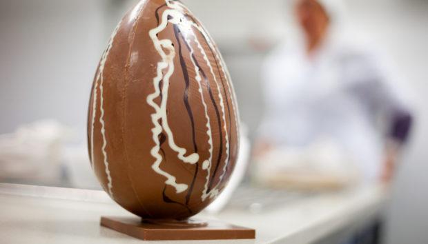 Σοκολατένιο Πασχαλινό Αυγό από τον Άκη Πετρετζίκη!