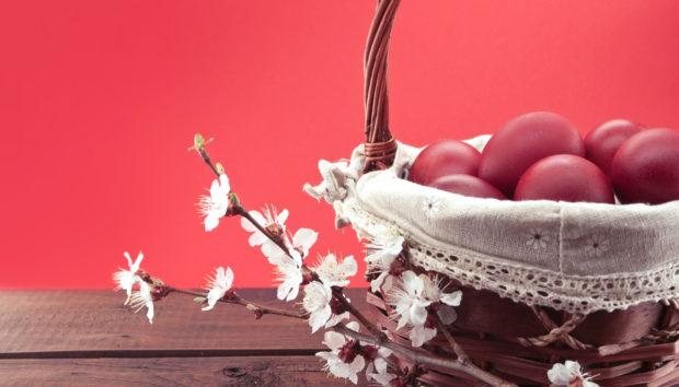 Κόκκινα Πασχαλινά Αυγά από τον Άκη Πετρετζίκη!