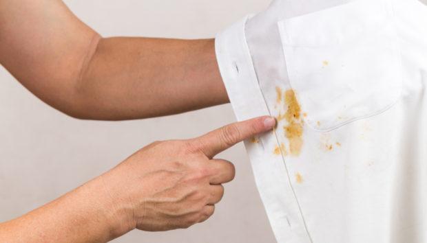 Λευκά Μπλουζάκια; Εξαφανίστε τους 3 πιο Δύσκολους Λεκέδες!