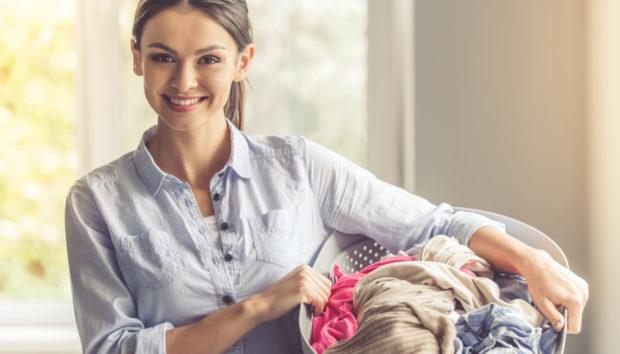 Ένας Τρόπος για να Φρεσκάρετε τα Ρούχα σας Χωρίς Πλύσιμο!