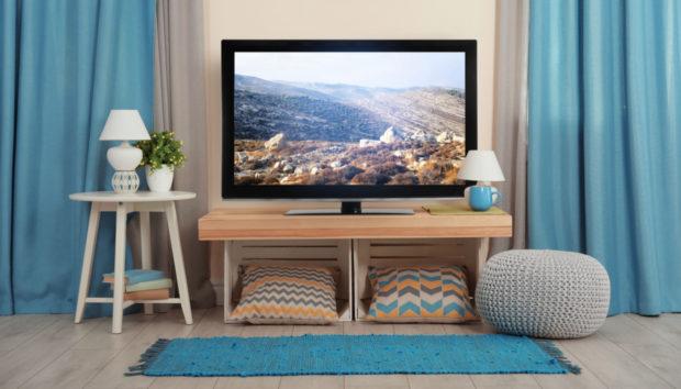 Μια Τσαχπινιά για να Κρύψετε την Τηλεόραση στο Σαλόνι σας!