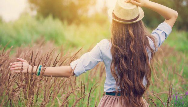 Με ΑΥΤΕΣ τις Τροφές τα Μαλλιά σας θα Μακρύνουν Πάρα Πολύ Γρήγορα!