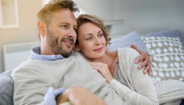 Οι Παντρεμένοι Άντρες δεν έχουν Φίλους και όλο το Συναισθηματικό Βάρος Πέφτει στις Γυναίκες