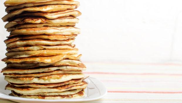 Αλμυρά Pancakes Light από τον Άκη Πετρετζίκη