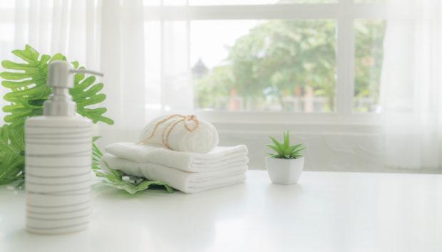Όλα Όσα Κάνουν τα Ξενοδοχεία για να Διατηρούν Πεντακάθαρα τα Λευκά Μπάνια τους
