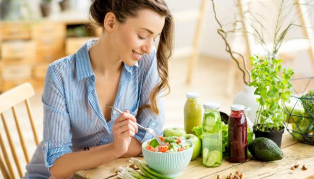 Οι 17 πιο Αποτελεσματικές Τροφές για την Απώλεια Βάρους