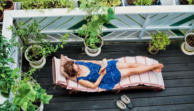 Διακόσμηση Μπαλκονιού: 5 Βήματα για να Δημιουργήσετε έναν Μικρό Παράδεισο στο Σπίτι σας!