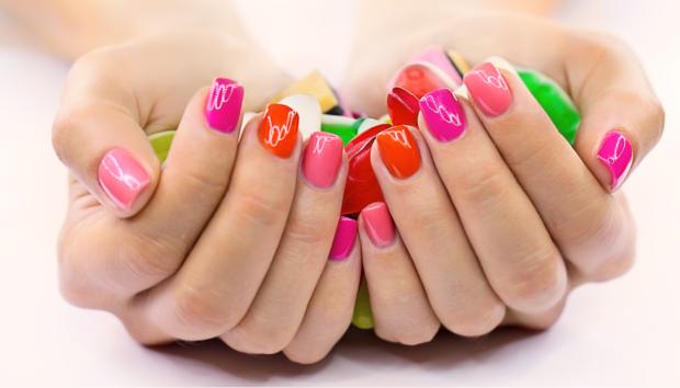 Jelly Nails: Το Νοσταλγικό Look του Φετινού Καλοκαιριού!