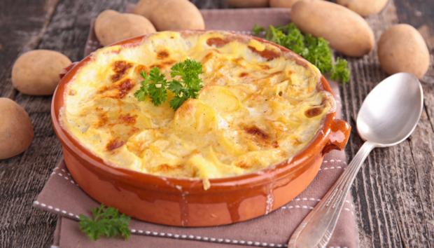 Σήμερα Φτιάχνουμε τις πιο Νόστιμες Ταλιατέλες στο Φούρνο με Τυρί και Ζαμπόν