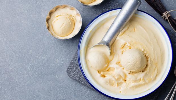 Το Ιδιοφυές Παγωτό των 2 Υλικών που Τυχαίνει να Είναι και Vegan