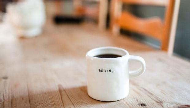 Τα 5 Πράγματα που Κάνουν οι Παραγωγικοί Άνθρωποι Πριν από τις 8 το Πρωί, Σύμφωνα με τo Forbes