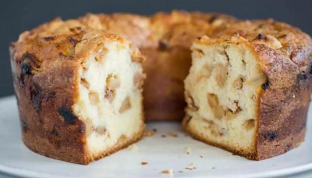 Το πιο Εύκολο και Λαχταριστό Κέικ Μήλου Χωρίς Βούτυρο και Γάλα