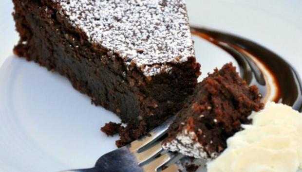 Σοκολατένιο Κέικ Μπανάνα! Μια Γλυκιά Αμαρτία