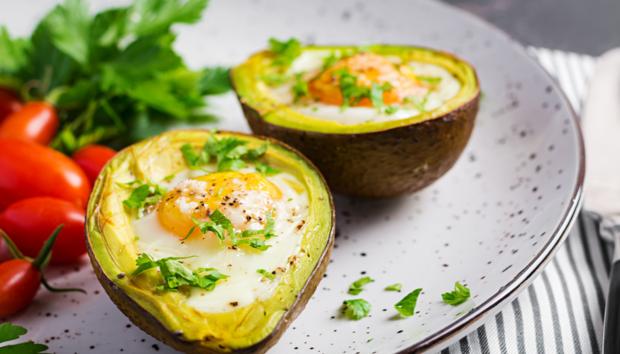 Αυτές Είναι οι 6 Τροφές που θα σας Βοηθήσουν να Βγάλετε το Λίπος από τη Ζωή σας μια και Καλή!