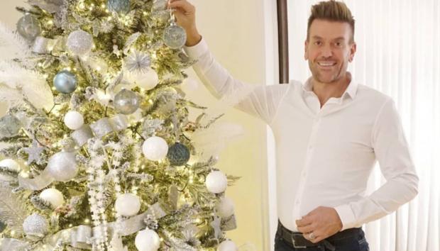 Αυτό Είναι το Εντυπωσιακό Χριστουγεννιάτικο Δέντρο που Στόλισε Φέτος ο Σπύρος Σούλης!