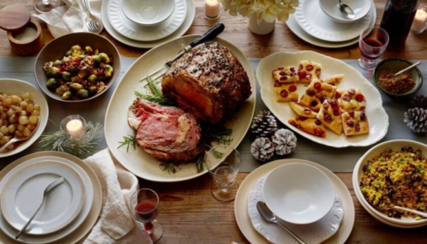Χριστούγεννα και Διατροφή: Tips για να μην Πάρετε Ούτε ένα Κιλό Αυτές τις Γιορτές