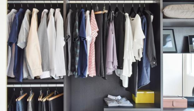 6 Τρόποι να Μυρίζουν τα Ρούχα της Ντουλάπας σας Όμορφα