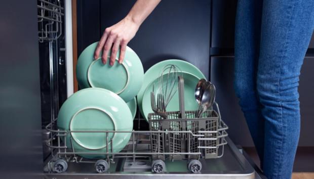Τα 3 Απροσδόκητα Πράγματα που Μπορείτε να Κάνετε σε ένα Πλυντήριο Πιάτων -Οι Απίθανες Χρήσεις του που δεν είχετε Σκεφτεί Ποτέ