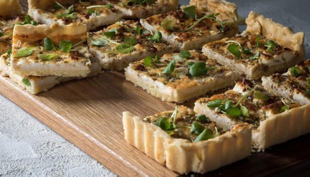 Τάρτα με Κατσικίσιο Τυρί και Σπανάκι από τον Άκη Πετρετζίκη
