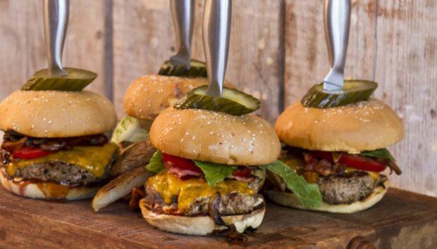Healthy Burger με Κοτόπουλο από τον Άκη Πετρετζίκη!