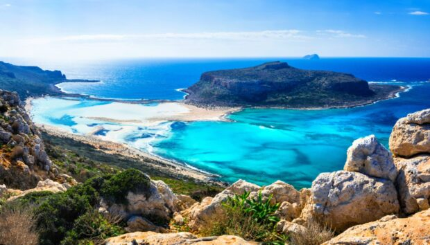 Το Διθυραμβικό Αφιέρωμα των New York Times στα Ελληνικά Νησιά -Πώς να Επιλέξετε σε Ποιο θα Πάτε