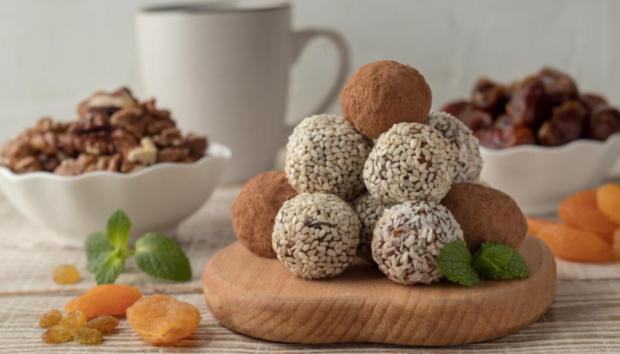 Το Ιδανικό Νηστίσιμο Γλυκό -Θεϊκά (και Σούπερ Θρεπτικά) Τρουφάκια με Ταχίνι και Σοκολάτα