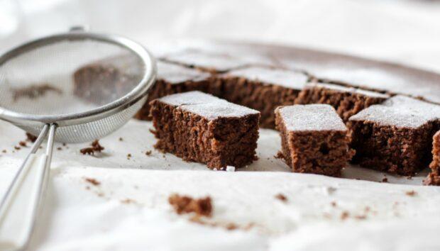 Brownies Χωρίς Ζάχαρη, Αλεύρι, Αυγά και Χωρίς Ψήσιμο